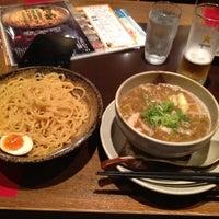 Photo taken at 越後秘蔵麺 無尽蔵 しながわ家 by Keisuke T. on 5/25/2012
