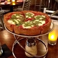 Das Foto wurde bei Pi Pizzeria von Tony am 8/30/2012 aufgenommen