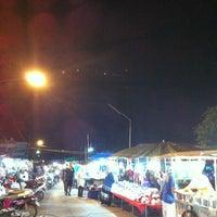 Photo taken at ตลาดโต้รุ่ง @สตูล by a W. on 5/13/2012