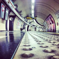 Photo taken at Waterloo London Underground Station by Ming Y. on 4/18/2012
