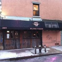 Foto tomada en The Blind Tiger por Hops Diva el 7/19/2012