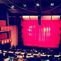 Foto scattata a Ahmanson Theatre da Chris B. il 3/14/2012