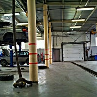 Снимок сделан в Авторолл (сервис VW, AUDI, SEAT, SKODA) пользователем Maksim P. 3/17/2012