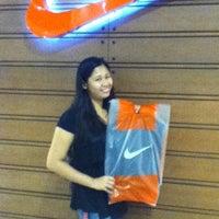 Photo taken at Nike SportsCenter by Robhz J. on 8/5/2012