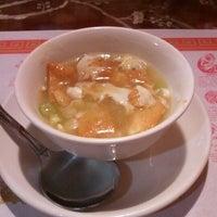 Photo taken at Peking Chinese Restaurant by Arnold K. on 7/20/2012
