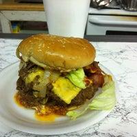 Das Foto wurde bei Ann's Snack Bar von Michael J. am 5/18/2012 aufgenommen