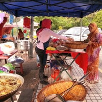 Photo taken at Nasi Kukus Ayam Dara Setiawangsa by Mohd H. on 6/7/2012