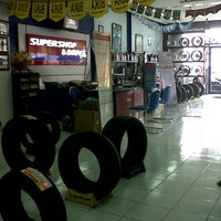 Photo taken at SUPER SHOP & DRIVE by Marcellorian A. on 8/22/2012