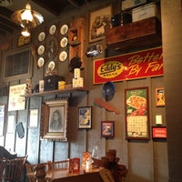 Photo taken at Cracker Barrel Old Country Store by Ozlem O. on 9/13/2012