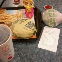 Photo taken at McDonald's / McCafé by Yun Zhen G. on 4/11/2012