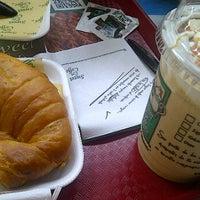 Foto tomada en Sweet & Coffee por Byron A. el 6/27/2012