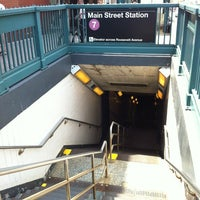 Photo taken at MTA Subway - 7 Train by Jane Y. on 5/27/2012