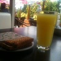 Photo taken at Teras Cafe (Beyaz Kale) by Ersin K. on 7/29/2012