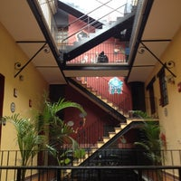 Foto tomada en Hostal Regina por Carlitos' W. el 6/20/2012