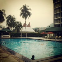 Photo taken at Holiday Inn Resort by Calvin O. on 7/29/2012