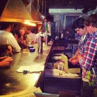 5/18/2012 tarihinde nick p.ziyaretçi tarafından Alphabet City Beer Co.'de çekilen fotoğraf