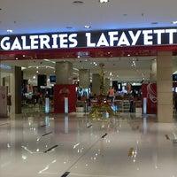 Foto tomada en Galeries Lafayette por Cecile D. el 5/13/2012