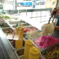 Das Foto wurde bei Sultan Shawarma & Falafel von Kaori F. am 5/28/2012 aufgenommen