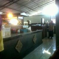 Photo taken at Soto Ayam Lamongan Cak Har by Cahyo W. on 8/28/2012