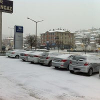 Photo taken at Akbak Hyundai Plaza by Kazım Pala on 4/8/2012