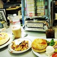 Photo taken at Bette's Oceanview Diner by Yuichi O. on 7/8/2012