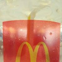 Photo taken at McDonald's (麦当劳) by Windinrite on 6/5/2012