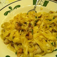Photo taken at Olive Garden by Miss A. on 8/25/2012