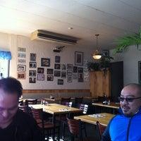 2/23/2012 tarihinde Pablo L.ziyaretçi tarafından Kona Kitchen'de çekilen fotoğraf