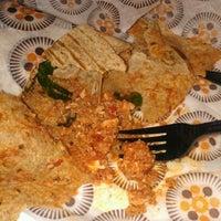 Foto tomada en Protein Bar & Kitchen por Crystal W. el 2/7/2012