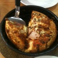 Снимок сделан в Pizza Hut пользователем Павел А. 4/5/2012