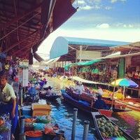 Photo taken at Damnoen Saduak Floating Market by EdyLeed™ on 7/13/2012
