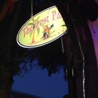 Photo prise au The Lost Parrot par Sammy D. le4/16/2012