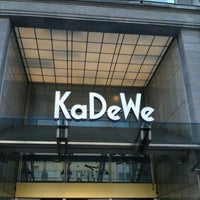 Foto tirada no(a) Kaufhaus des Westens (KaDeWe) por Maris S. em 4/25/2012