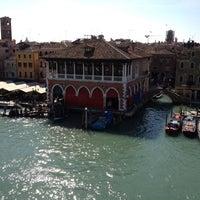 Foto diambil di Ca' Sagredo Hotel Venice oleh Dimitri T. pada 3/10/2012