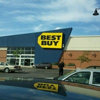 Photo taken at Best Buy by Jenacia M. on 4/16/2012