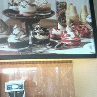 Photo taken at Burger King by Xavier M. on 4/8/2012