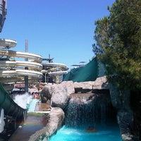 7/17/2012 tarihinde Sergei B.ziyaretçi tarafından Rixos Premium Troy Aqua Park'de çekilen fotoğraf