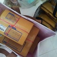 รูปภาพถ่ายที่ ไปรษณีย์ คลองถนน โดย ป๋าเดย์ P. เมื่อ 6/12/2012