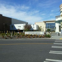 Foto tirada no(a) Tacoma Mall por Yob B. em 9/29/2011