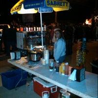 Photo taken at Tee Tees Weenies by Joey T. on 11/26/2011