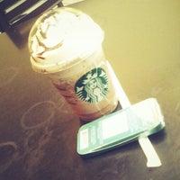Foto diambil di Starbucks oleh Ligar M. pada 9/8/2012