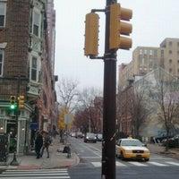 12/21/2011 tarihinde Mm p.ziyaretçi tarafından Last Drop Coffee House'de çekilen fotoğraf