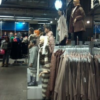 Photo taken at Old Navy by Juni B. on 11/5/2011