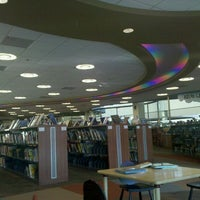 Photo taken at Lincoln Public Library by Julie S. on 10/12/2011