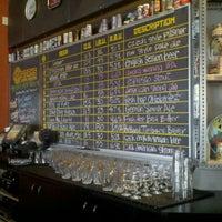 Foto tirada no(a) Hopworks Urban Brewery por Chelsey C. em 9/25/2011