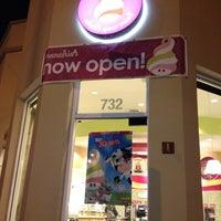 Photo taken at Menchie's Frozen Yogurt by Cheryl K. on 3/13/2012