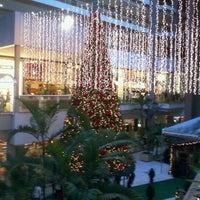 Foto tirada no(a) Águas Claras Shopping por Henrique R. em 12/14/2011