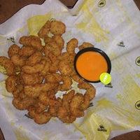 Foto diambil di Buffalo Wild Wings oleh Erika G. pada 12/11/2011