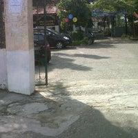 Photo taken at SMA Negeri 1 Pekanbaru by Iqbal N. on 6/1/2012
