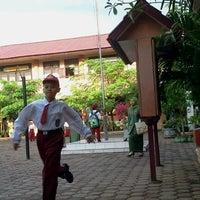 Photo taken at SDN 20 BANDA ACEH by botakedan on 7/11/2011